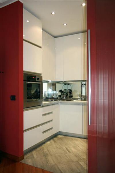 Ante lucide sala lab for Cucina moderna bianca e marrone