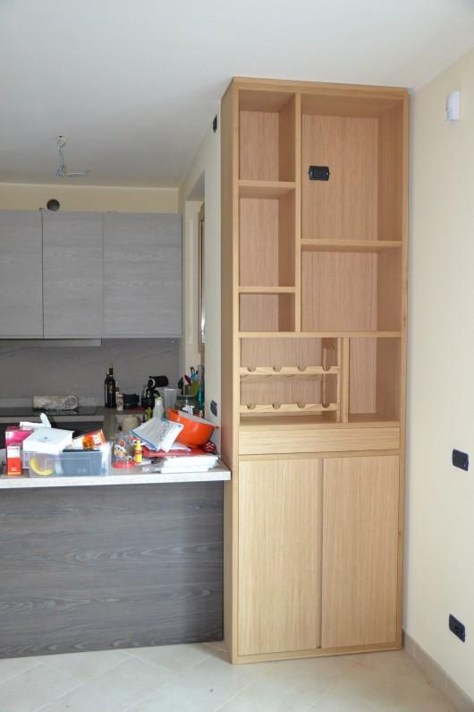 dispensa cucina in legno con portabottiglie sala enrico arredamenti